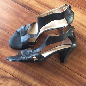Nine West leather black heel sandals size 71/2